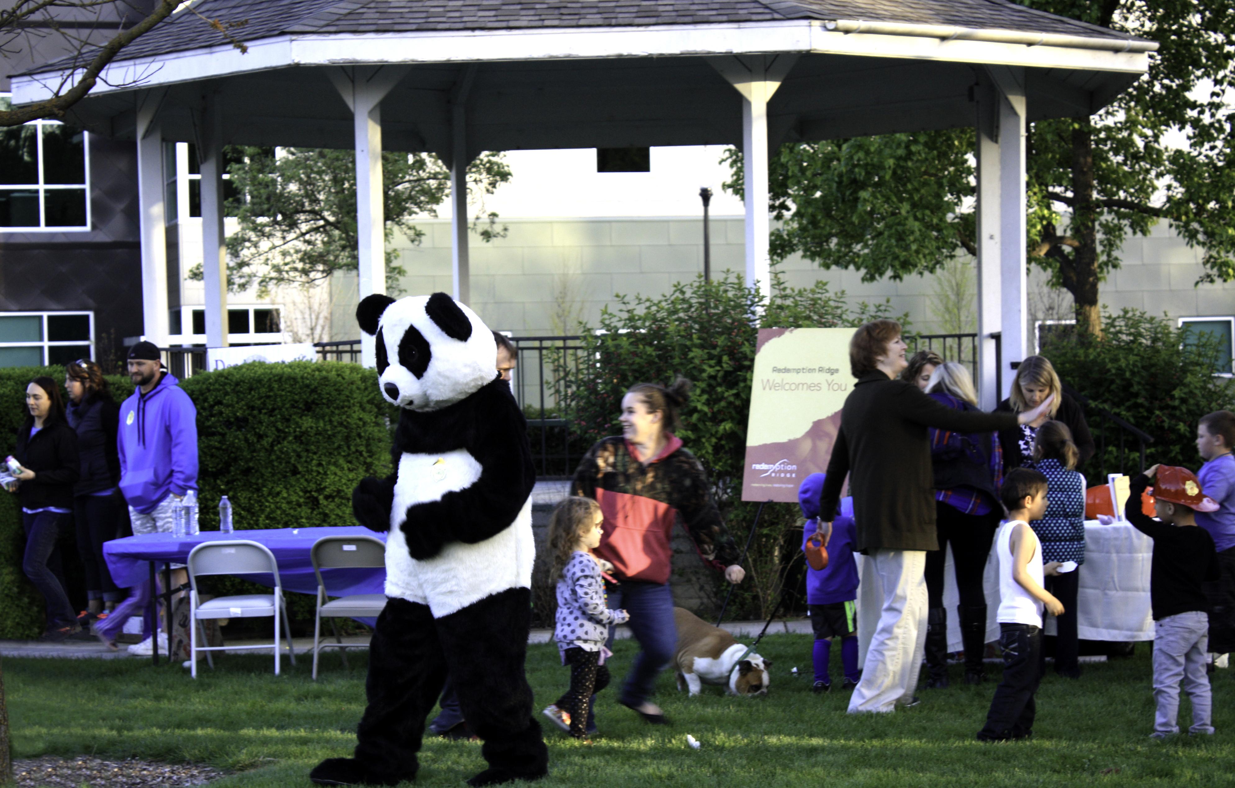 20150408-9 family fun night IMG_7292 crop 2